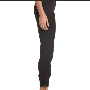 NWT White House Black Market Black Crop Pants